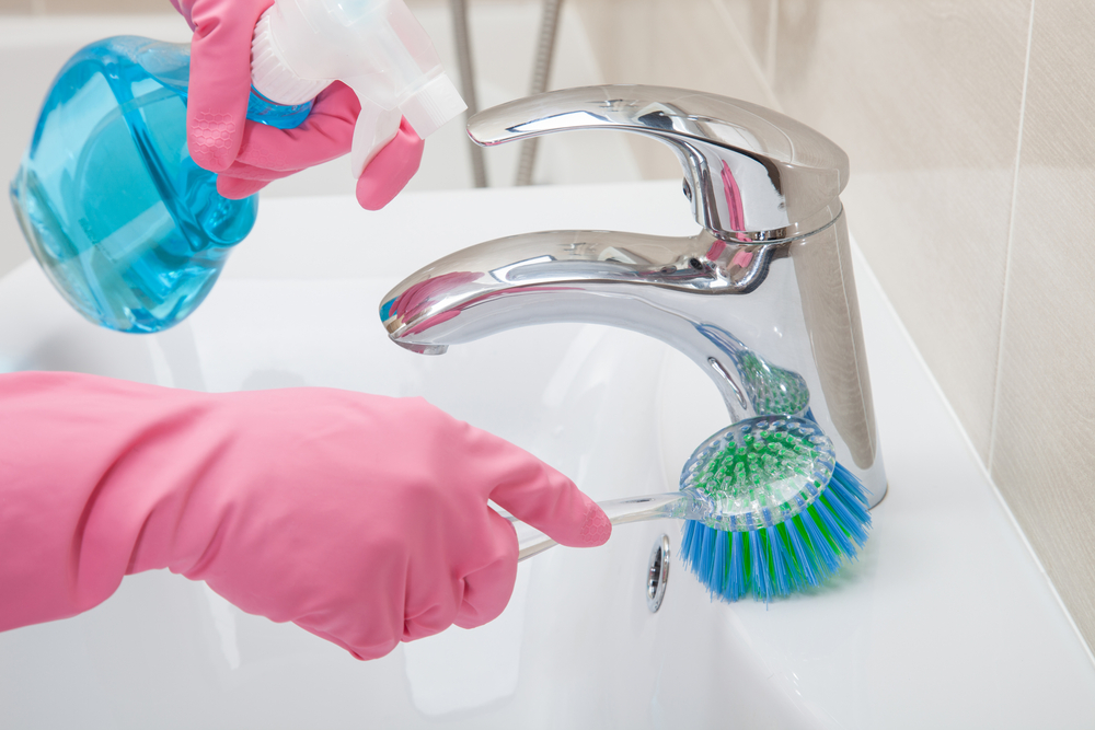 clean your bathroom in around 15 minutes or less